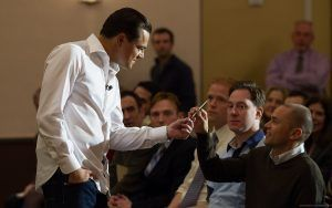 jordan-belfort-askinbg-to-sell-him-the-pen