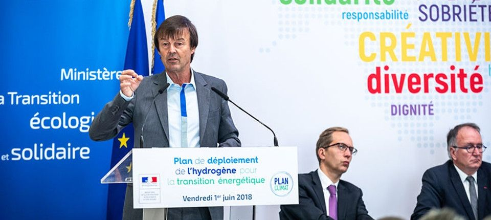 """Le """"plan hydrogène"""", une politique énergétique utile à la transformation numérique ?"""